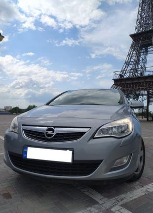 Продам авто Astra J 2010 бензин атмосферный 1.6