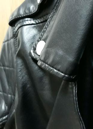 Курточка осіння шкіряна