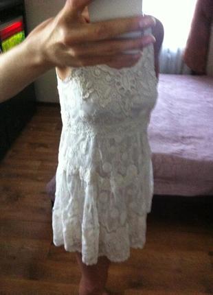 Нежное кружевное платье цвета айвори