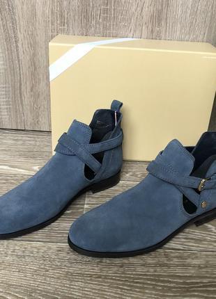 Ботинки tommy hilfiger размер 40. оригинал