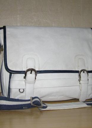 Вместительная сумка  через плече от salvatore ferragamo, нат.к...