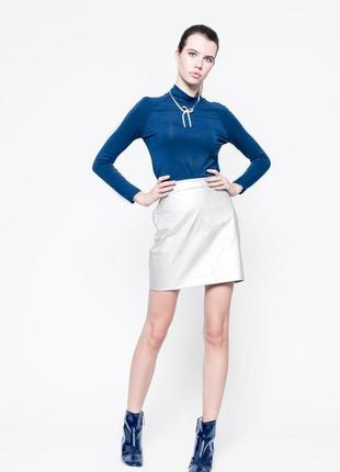 Нарядная юбка-мини из плотной натуральной кожи