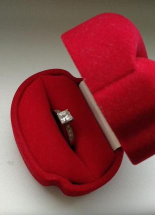 Красивое кольцо из серебра 925 + цирконий