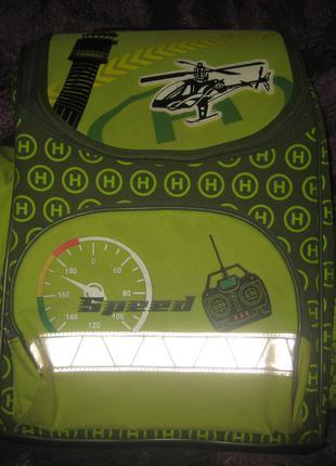 Детский школьный рюкзак c ортопедической спинкой, б/у