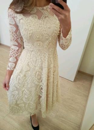 Плаття з кружнвом
