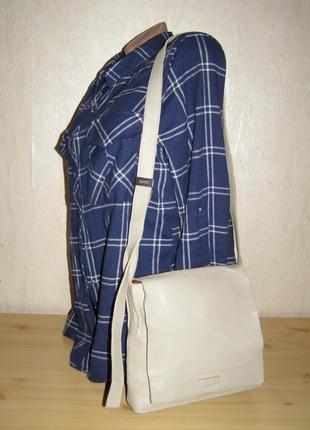 Удобная сумка- планшет от esprit, плотная кожа +длинный плечев...
