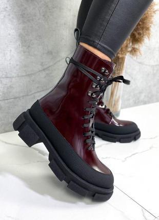 Ботинки высокие женские бордовые
