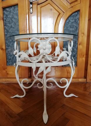 Кований столик