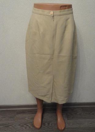 Бежевая юбка карандаш миди ниже колена летняя спереди разрез