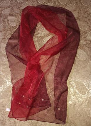 Шарф-палантин avon красный с пайетками