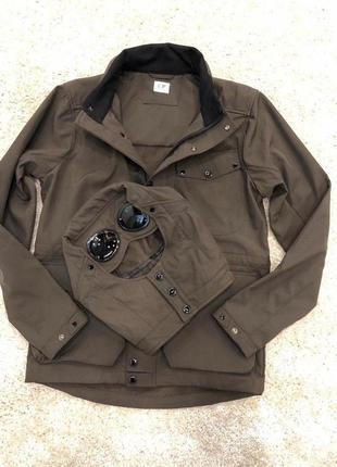 Шикарная мужская куртка на флисе c.p company