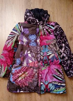 Яркая крутая удлиненная куртка для девочки 11-12 лет