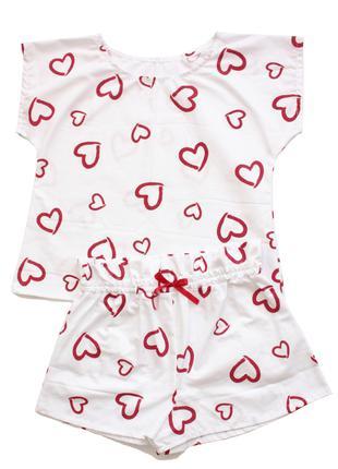 Жіноча піжама з серденьками на білому