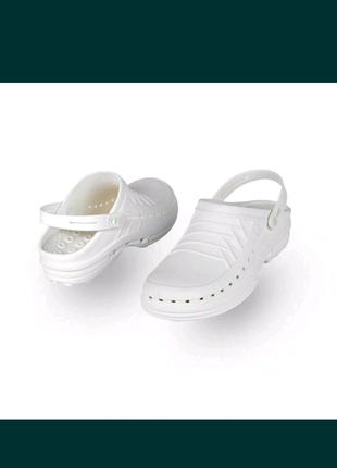 Професійне взуття.  Для кухарів та мед працівників