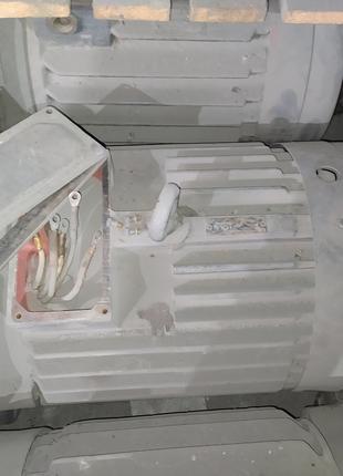 Крановый двигатель МТКФ  МТКН 411-8   15 кВт х700 об.  новый с хр