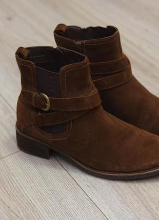 Красивые замшевые ботинки marks&spencers
