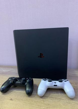 Playstation 4 Pro 1Tb + 2 Dualshok (FIFA 2020)
