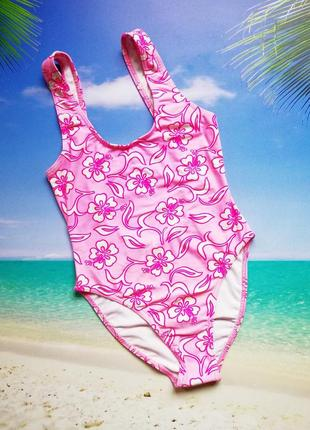 Розовый сдельный купальник