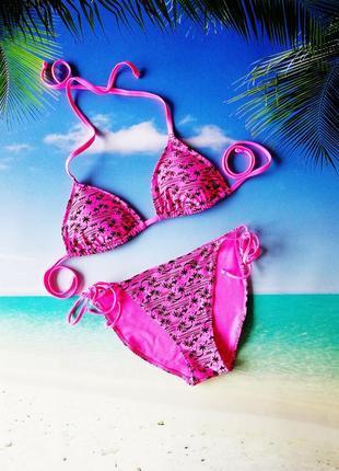 Розовый купальник пальмы