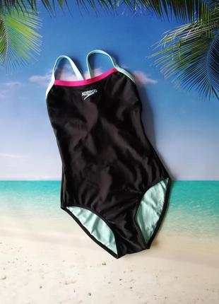 Сдельный купальник для спорта