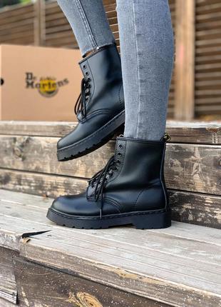 Женские кожаные осенние ботинки dr.martens 1460 mono black чер...