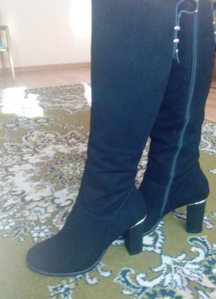 Красивые польские замшевые ботинки (новые)
