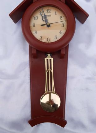 Часы настенные с маятником SAWAY.