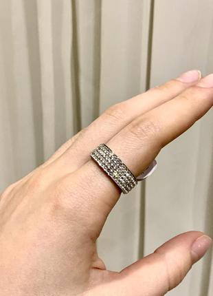 Новое кольцо колечко каблучка серебро с камнями
