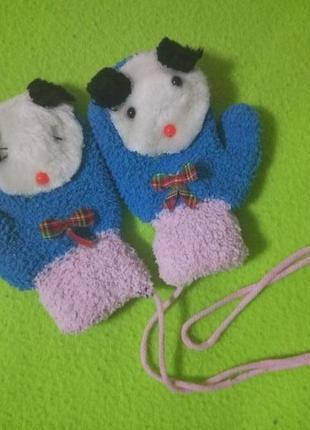 Теплые рукавички на шнурке