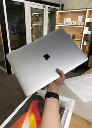 MacBook Pro 16 2019 16GB/512GB MVVL2 Silver