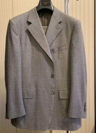 Мужской костюм Canali