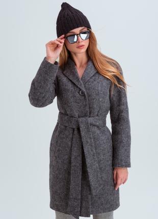 Утепленное зимнее пальто женское