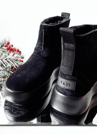 Женские зимние ботинки на меху бренда ugg. оригинал.