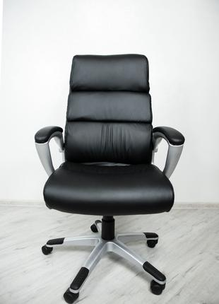 Офісне крісло Офисное кресло Leader