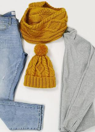 Вязаный набор шапка и шарф снуд шафран
