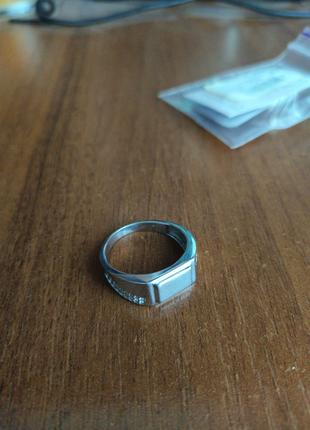 Кольцо из серебра новое р.19.5