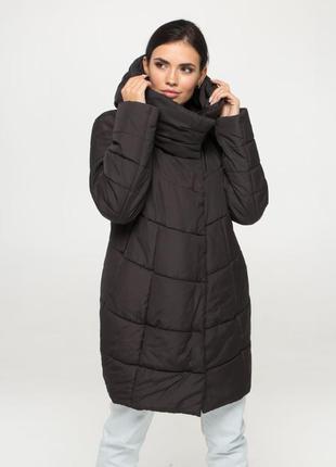 Женская зимняя куртка (пуховик)