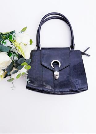 Крутая сумка под кожу питона от бренда debenhams