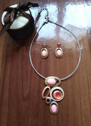 Очень красивый комплект ожерелье+серьги