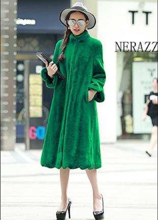 Женское пальто сезон зима-осень изумрудного цвета
