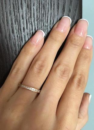 Золотое кольцо с 30 фианитами