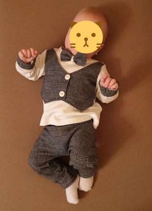 Костюм нарядный для мальчика 6 месяцев