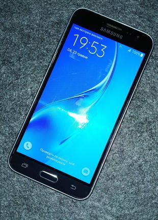 Samsung Galaxy J3 (J320)