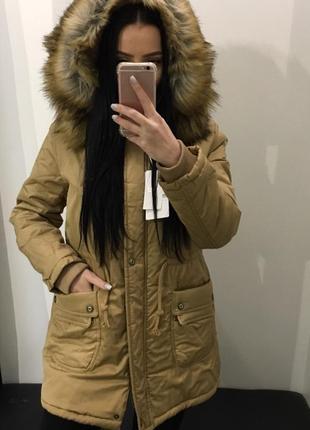 Длинная куртка парка с капюшоном и мехом