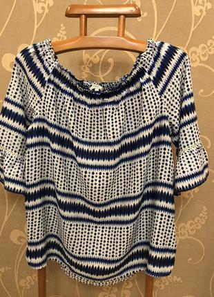Очень красивая и стильная брендовая блузка..100% вискоза.