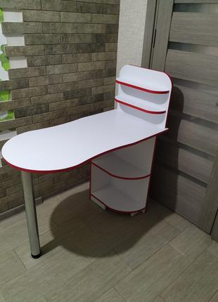 Компактный стол для маникюра с полочками,Маникюрный стол