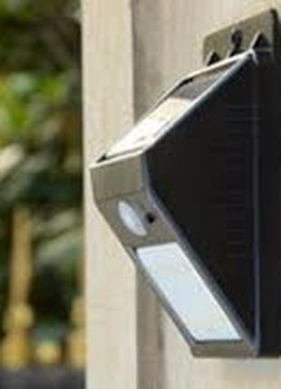 Настенный светильник на солнечной батарее 30 LED Wall Light
