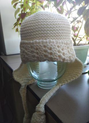 Классная шапка цвета экрю 40% шерсти с длинными ушами