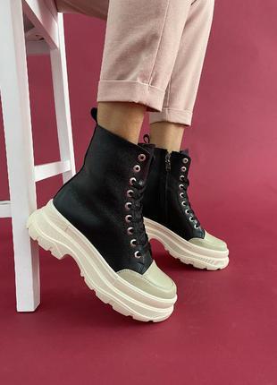 Женские кожаные ботинки зимние чорные с белым на платформе