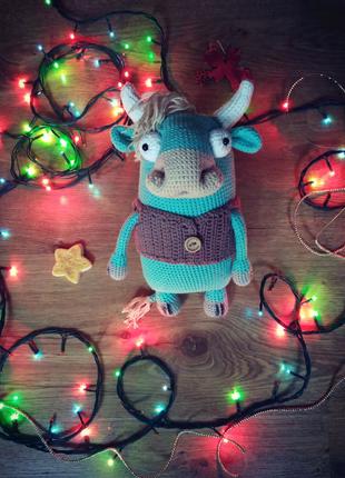 Бык вязаная игрушка новый год